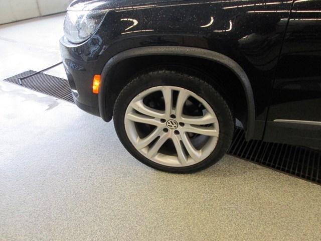 2012 Volkswagen Tiguan 2.0 TSI Highline (Stk: 207371) in Gloucester - Image 12 of 19