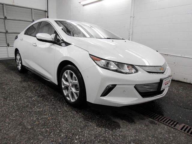 2019 Chevrolet Volt Premier (Stk: V9-77240) in Burnaby - Image 2 of 12