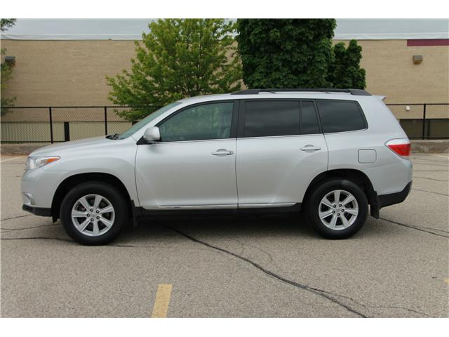 2012 Toyota Highlander V6 (Stk: 1904182) in Waterloo - Image 2 of 28
