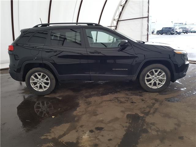 2018 Jeep Cherokee Sport (Stk: 1910661) in Thunder Bay - Image 2 of 6
