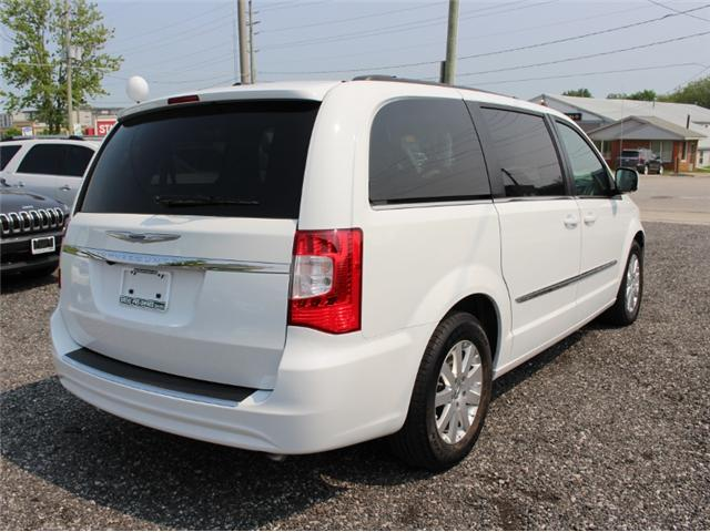 2015 Chrysler Town & Country Touring (Stk: 191029B) in Leamington - Image 7 of 27