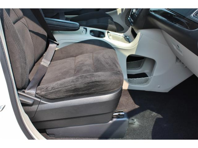 2015 Chrysler Town & Country Touring (Stk: 191029B) in Leamington - Image 16 of 27