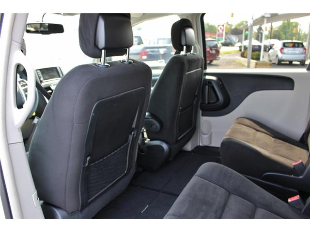 2015 Chrysler Town & Country Touring (Stk: 191029B) in Leamington - Image 13 of 27