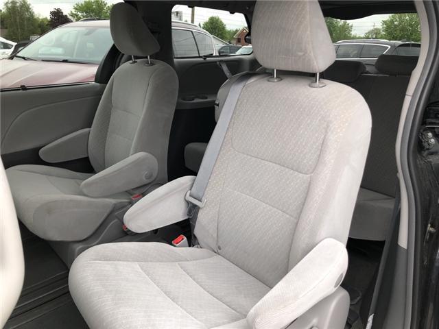 2018 Toyota Sienna LE 8-Passenger (Stk: -) in Kemptville - Image 9 of 30