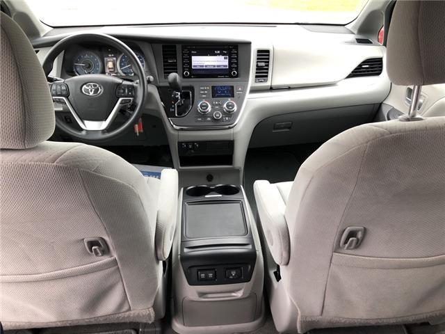 2018 Toyota Sienna LE 8-Passenger (Stk: -) in Kemptville - Image 12 of 30