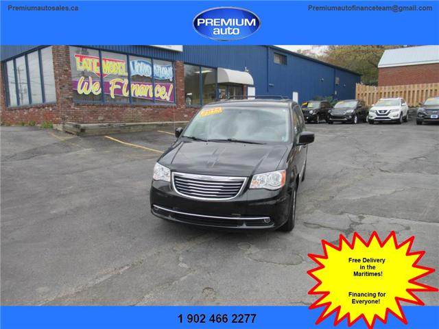 2014 Chrysler Town & Country Touring (Stk: 426700) in Dartmouth - Image 1 of 23