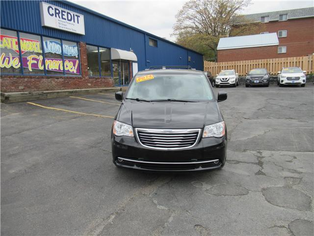2014 Chrysler Town & Country Touring (Stk: 426700) in Dartmouth - Image 2 of 23