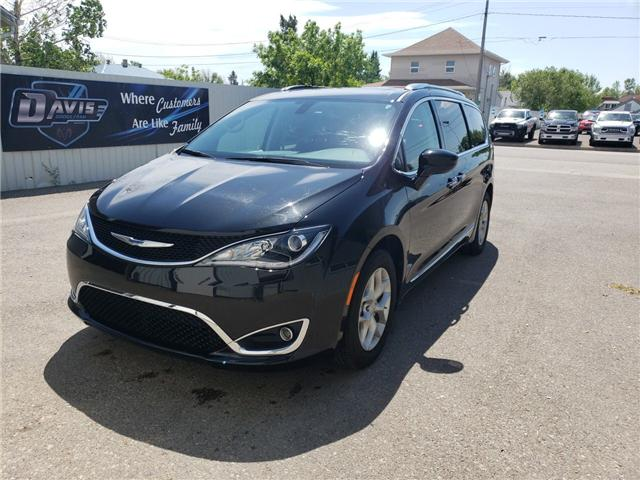 2018 Chrysler Pacifica Touring-L Plus (Stk: 15061) in Fort Macleod - Image 1 of 21