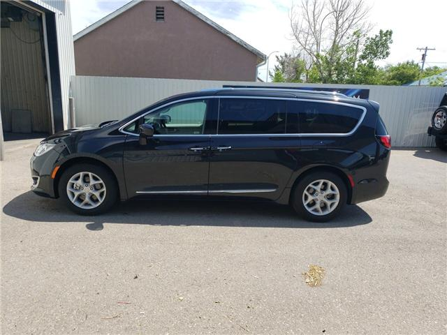 2018 Chrysler Pacifica Touring-L Plus (Stk: 15061) in Fort Macleod - Image 4 of 21