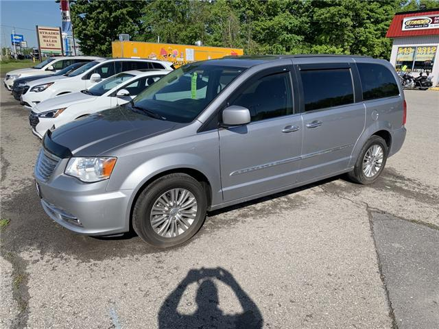2016 Chrysler Town & Country Touring-L (Stk: svg21) in Morrisburg - Image 2 of 6