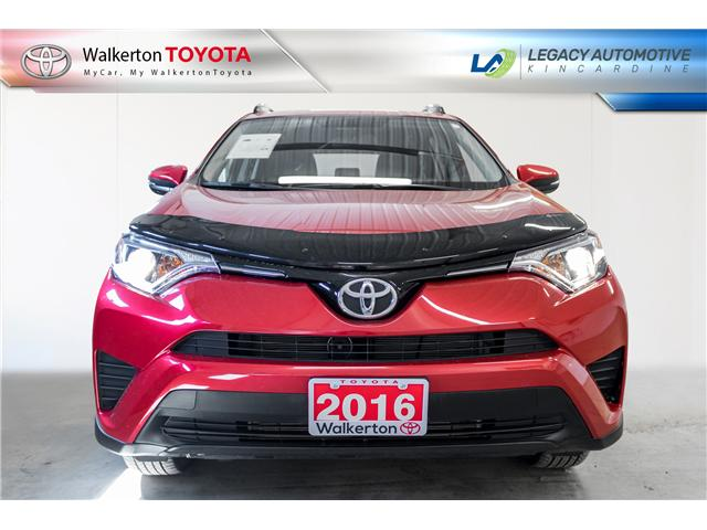 2016 Toyota RAV4 LE (Stk: 19257A) in Walkerton - Image 2 of 18