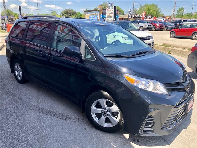 2018 Toyota Sienna LE 8-Passenger (Stk: 8381204) in Toronto - Image 4 of 15