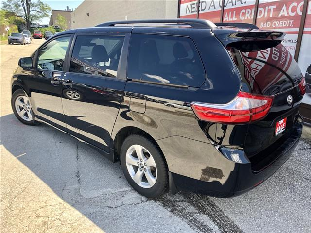 2018 Toyota Sienna LE 8-Passenger (Stk: 8381204) in Toronto - Image 7 of 15
