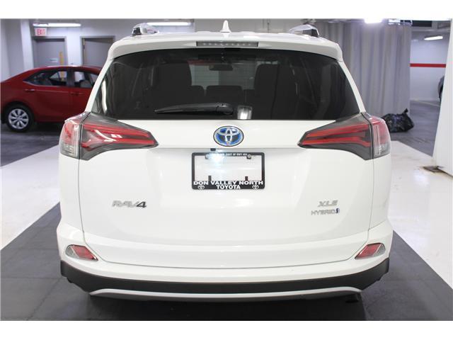 2016 Toyota RAV4 Hybrid XLE (Stk: 298417S) in Markham - Image 21 of 25
