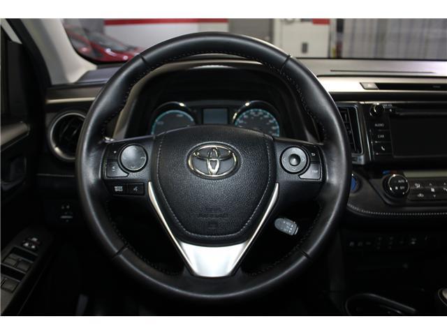 2016 Toyota RAV4 Hybrid XLE (Stk: 298417S) in Markham - Image 11 of 25