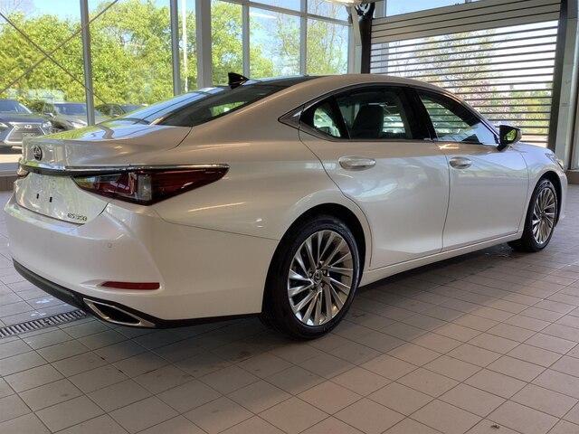 2019 Lexus ES 350 Premium (Stk: 1543) in Kingston - Image 5 of 27