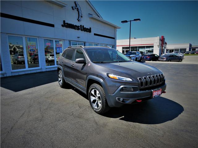 2016 Jeep Cherokee Trailhawk (Stk: N19227A) in Timmins - Image 4 of 17