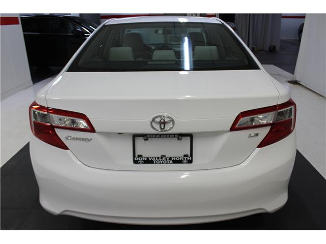 2014 Toyota Camry LE (Stk: 298365S) in Markham - Image 20 of 24