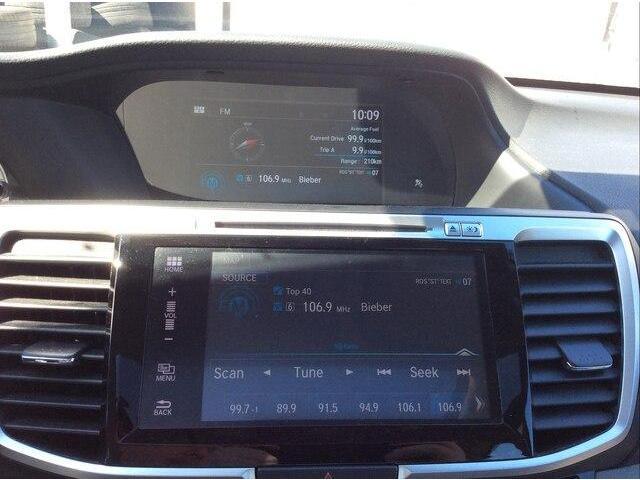 2017 Honda Accord Touring (Stk: P4613) in Ottawa - Image 2 of 24