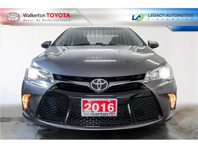 2016 Toyota Camry SE (Stk: 19236A) in Walkerton - Image 2 of 19