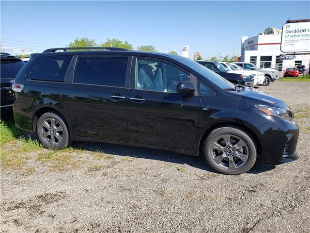 2020 Toyota Sienna SE 7-Passenger (Stk: 20-071) in Etobicoke - Image 2 of 15