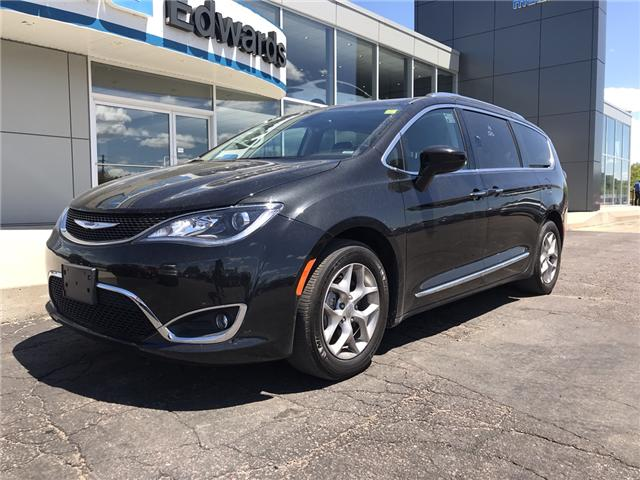 2018 Chrysler Pacifica Touring-L Plus (Stk: 21835) in Pembroke - Image 2 of 7