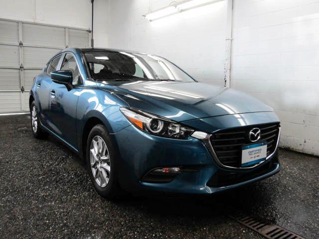 2018 Mazda Mazda3 Sport GS (Stk: Y9-81892) in Burnaby - Image 2 of 24