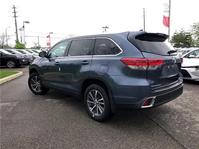 2019 Toyota Highlander XLE (Stk: 30570) in Aurora - Image 2 of 15