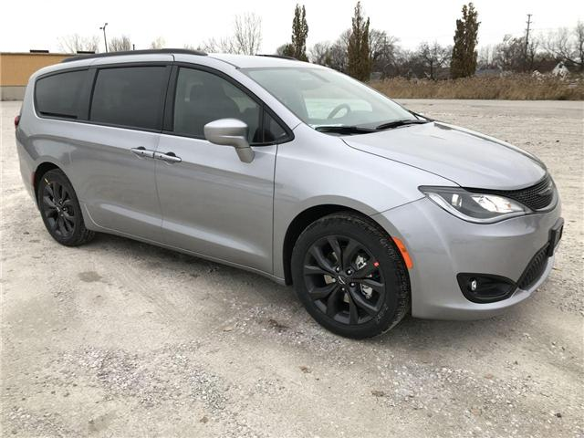 2019 Chrysler Pacifica Touring-L (Stk: 19448) in Windsor - Image 1 of 11