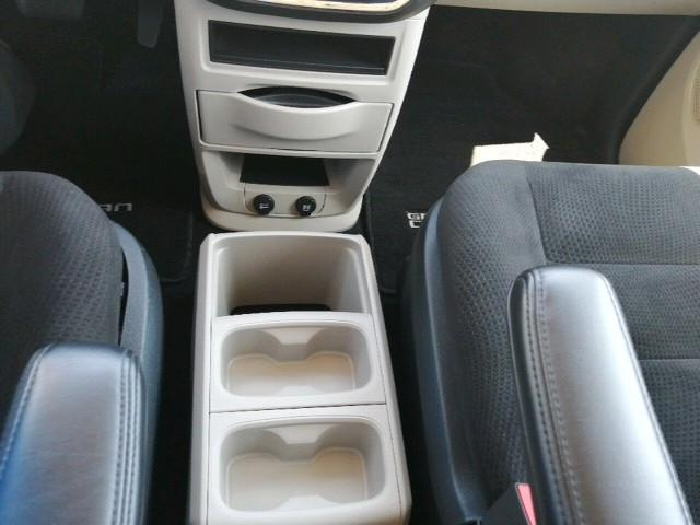 2016 Dodge Grand Caravan SE/SXT (Stk: 03232P) in Owen Sound - Image 17 of 24
