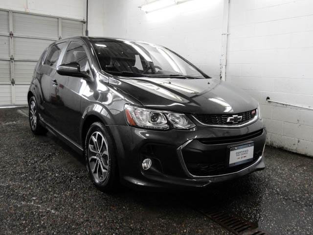 2018 Chevrolet Sonic LT Auto (Stk: P9-58600) in Burnaby - Image 2 of 24