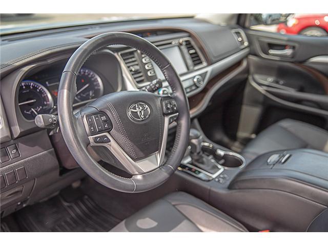 2017 Toyota Highlander XLE (Stk: EE909440) in Surrey - Image 9 of 26
