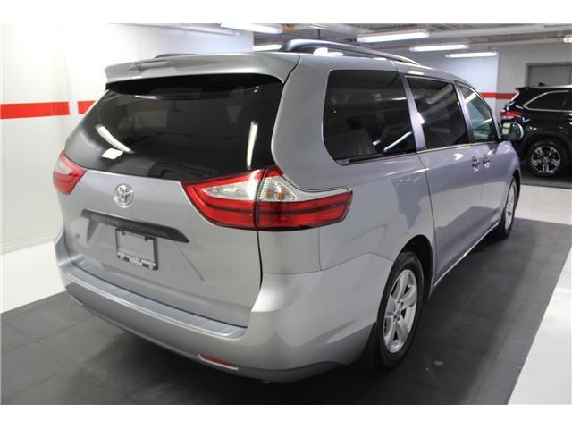 2017 Toyota Sienna 7 Passenger (Stk: 298377S) in Markham - Image 24 of 25