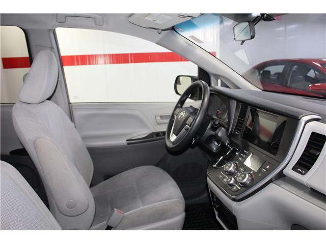 2017 Toyota Sienna 7 Passenger (Stk: 298377S) in Markham - Image 14 of 25