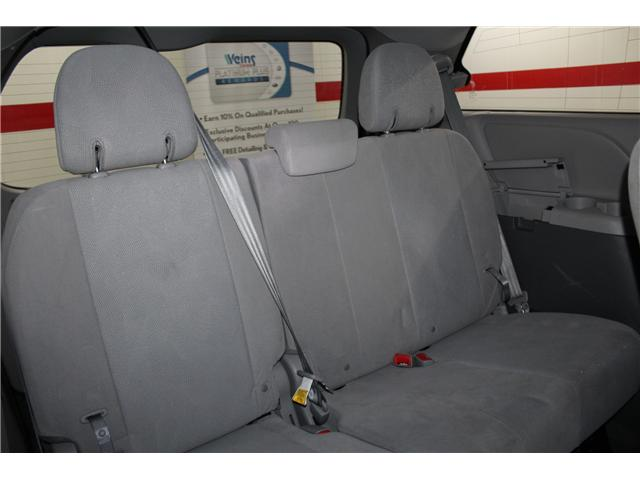 2017 Toyota Sienna 7 Passenger (Stk: 298377S) in Markham - Image 19 of 25
