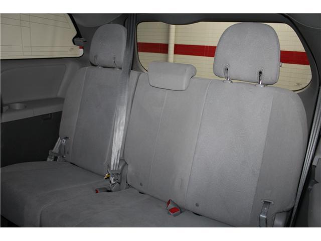 2017 Toyota Sienna 7 Passenger (Stk: 298377S) in Markham - Image 18 of 25
