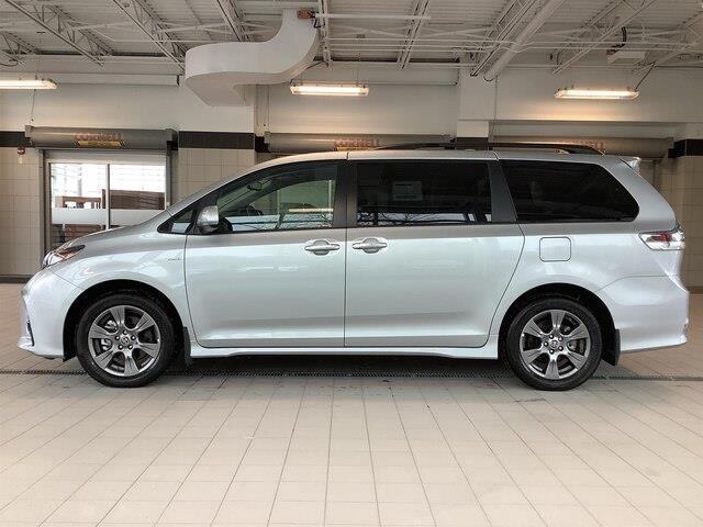 2019 Toyota Sienna SE 7-Passenger (Stk: 21052) in Kingston - Image 2 of 30
