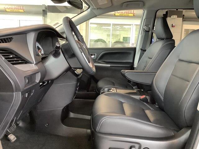 2019 Toyota Sienna SE 7-Passenger (Stk: 21052) in Kingston - Image 11 of 30