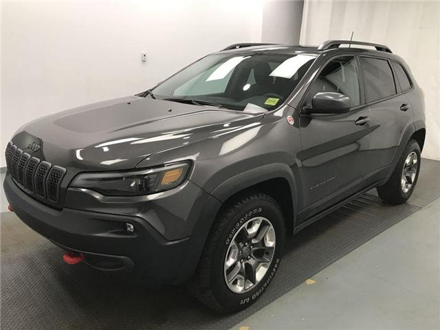 2019 Jeep Cherokee Trailhawk (Stk: 204712) in Lethbridge - Image 2 of 37