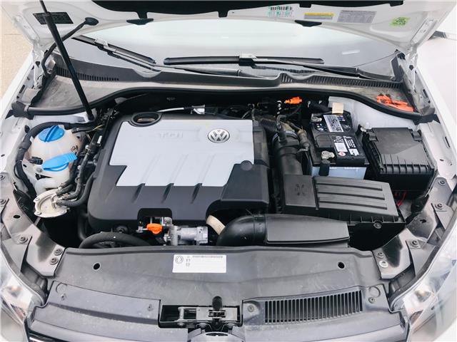 2011 Volkswagen Golf 2.0 TDI Highline (Stk: LF3121) in Surrey - Image 14 of 30