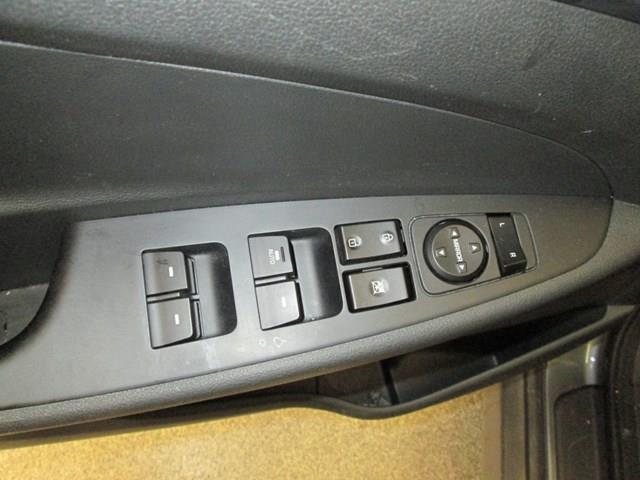 2018 Hyundai Tucson SE 2.0L (Stk: M2647) in Gloucester - Image 17 of 20