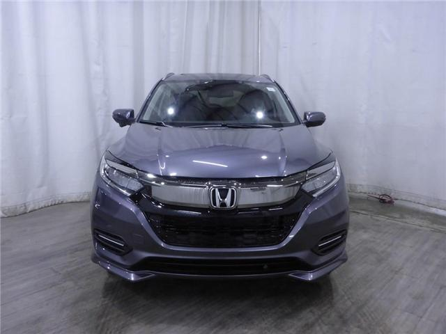 2019 Honda HR-V Touring (Stk: 1990027) in Calgary - Image 2 of 21