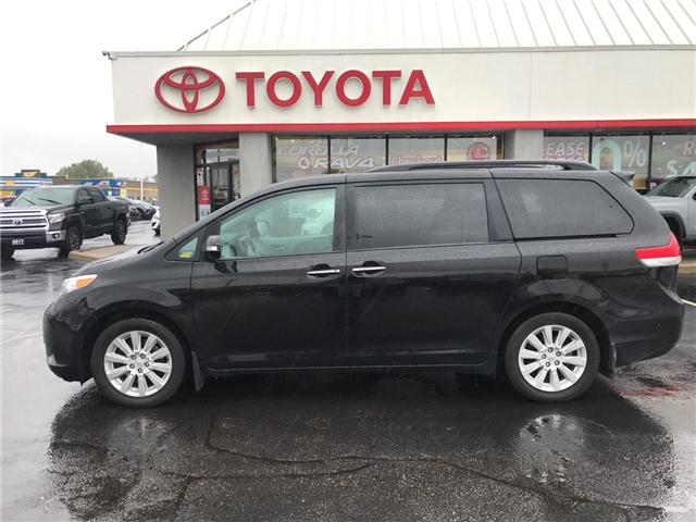 2014 Toyota Sienna  (Stk: 1810221) in Cambridge - Image 1 of 15