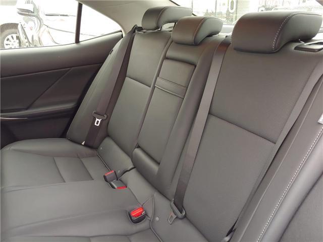 2017 Lexus IS 300 Base (Stk: P0054330) in Cambridge - Image 10 of 14