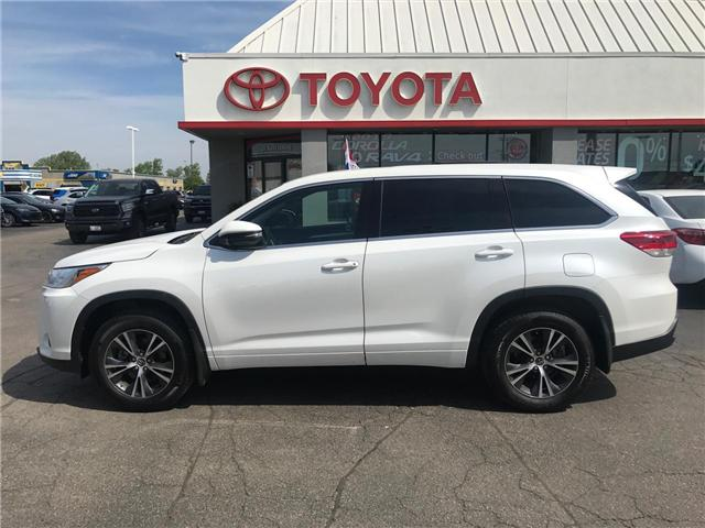 2018 Toyota Highlander LE (Stk: 1908051) in Cambridge - Image 1 of 14