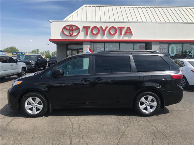 2017 Toyota Sienna  (Stk: 1907911) in Cambridge - Image 1 of 15