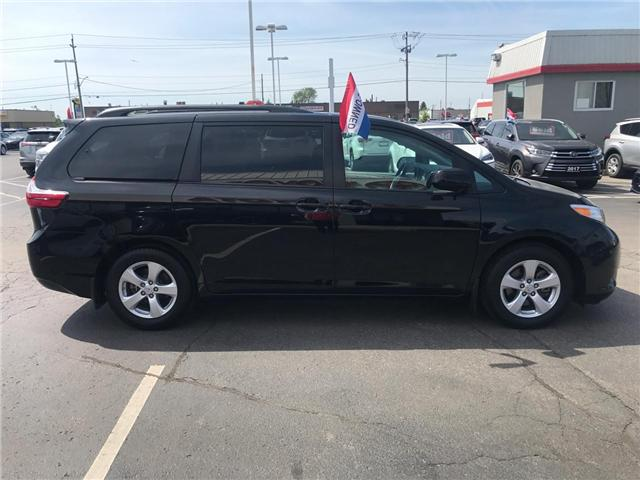 2017 Toyota Sienna  (Stk: 1907911) in Cambridge - Image 5 of 15