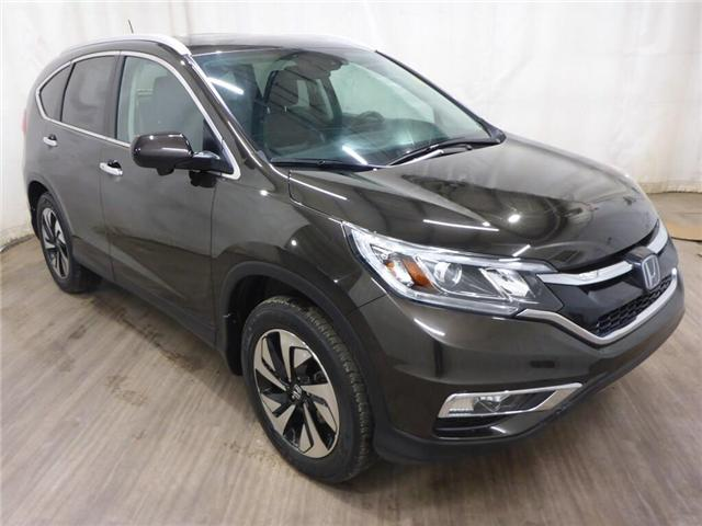 2015 Honda CR-V Touring (Stk: 190531172) in Calgary - Image 1 of 26
