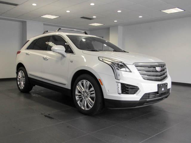 2018 Cadillac XT5 Premium Luxury (Stk: C8-24570) in Burnaby - Image 2 of 24