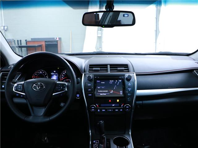 2015 Toyota Camry XSE (Stk: 195504) in Kitchener - Image 6 of 33